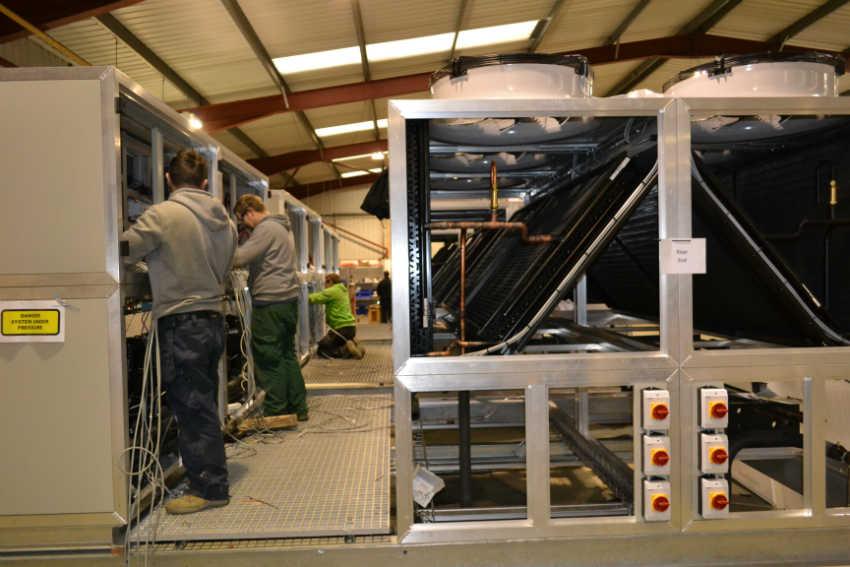 Mansfield Pollard data centre cooling - acr journal