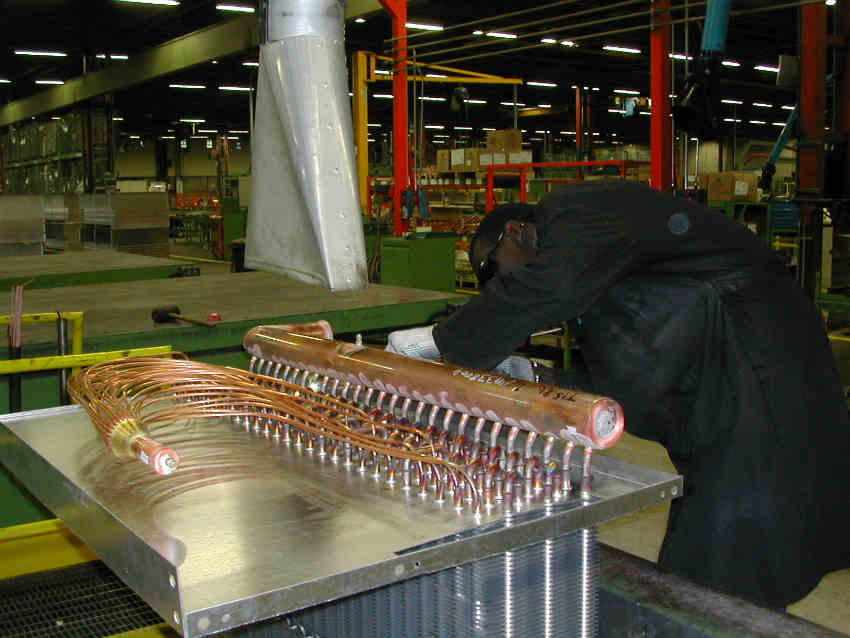 Lu-ve worker building copper component
