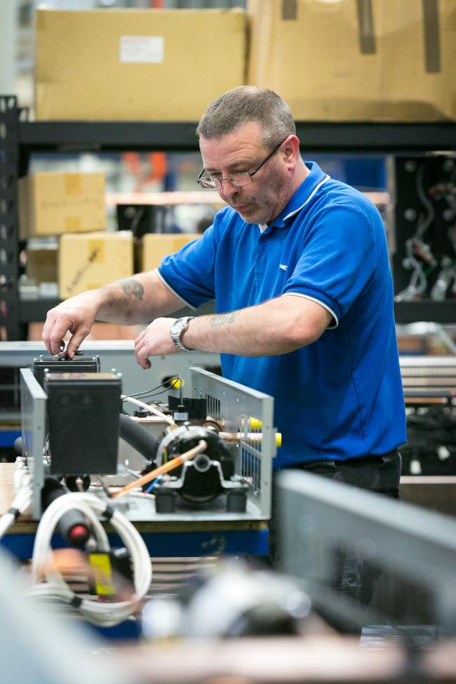 retail refrigeration cabinet cooling service engineer maintenance