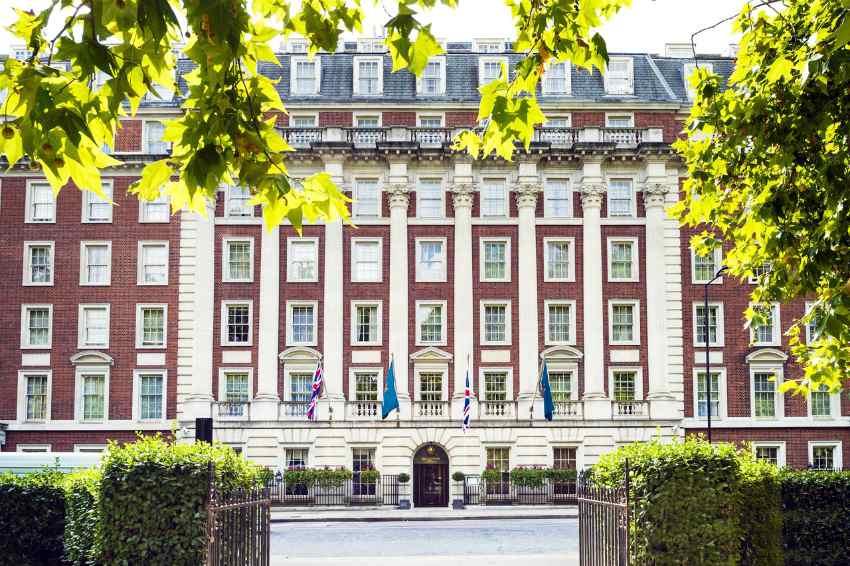 mayfair london hotel chiller screw inverter driven
