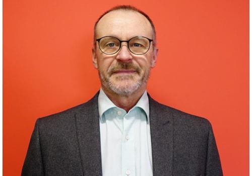 Stuart McWhinnie, Grant UK