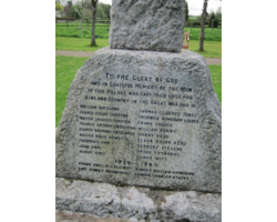 Emm-family-reunion-Broad-Chalke-war-memorial-61898.png
