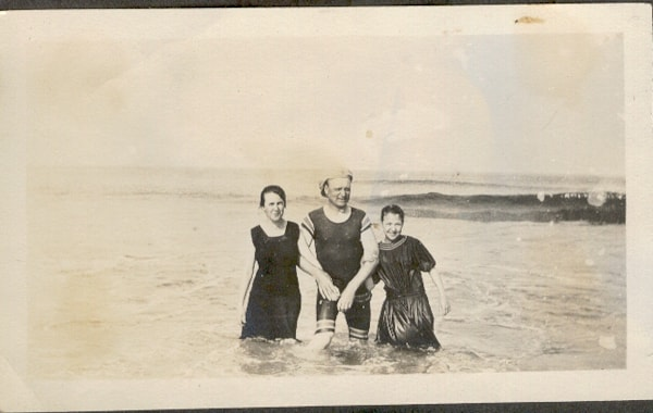 Old_Time_Swimming_Photograph-41318.jpg