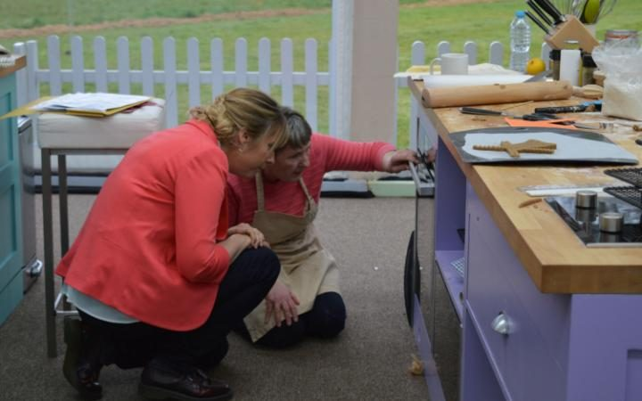 Pubs, chicken drumsticks and daring dunkers – the Great British Bake Off – Week 2