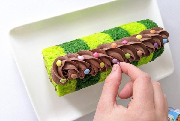 Caterpillar cake step 13