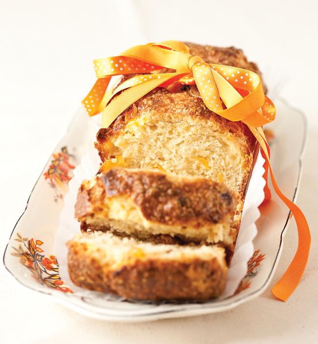apricot brioche loaf