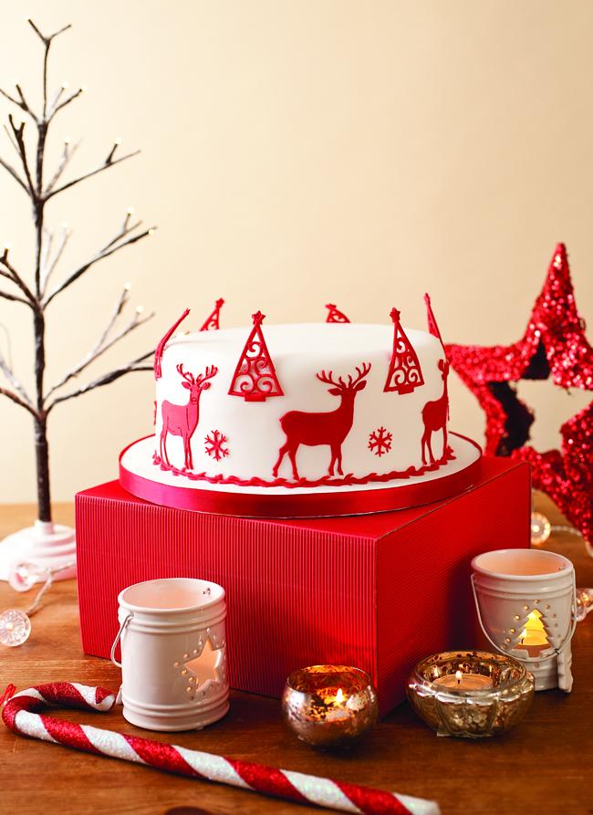 Scandinavian style Christmas cake