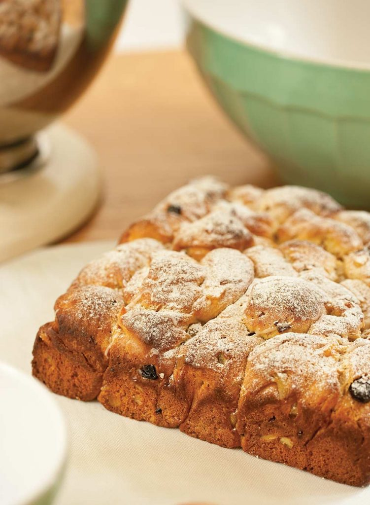 Tear and share panettone