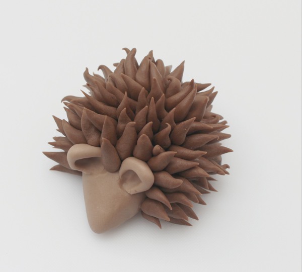 fondant hedgehog with spines