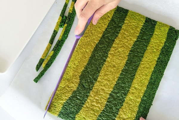 Caterpillar cake step 8