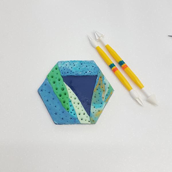 embossed pattern using cake modelling tools