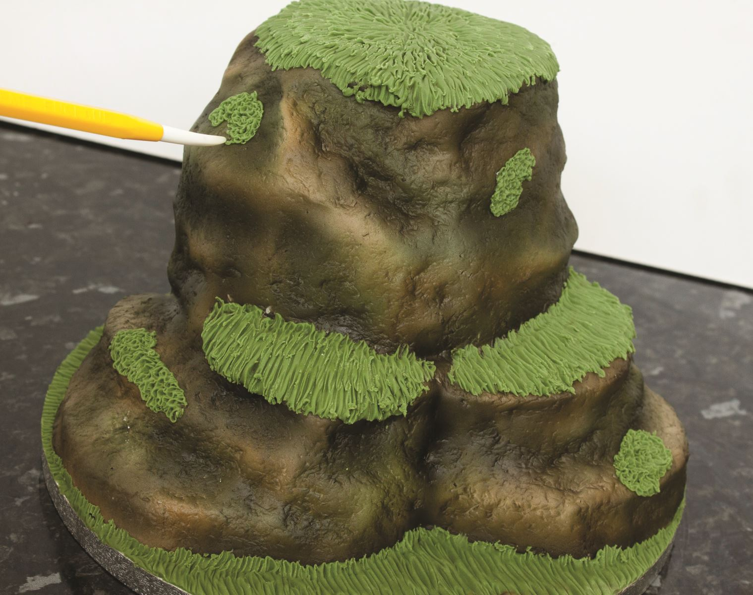 Zombie cake step 8