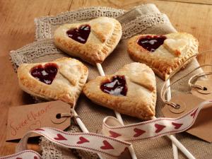 cherry-bakewell-sweethearts