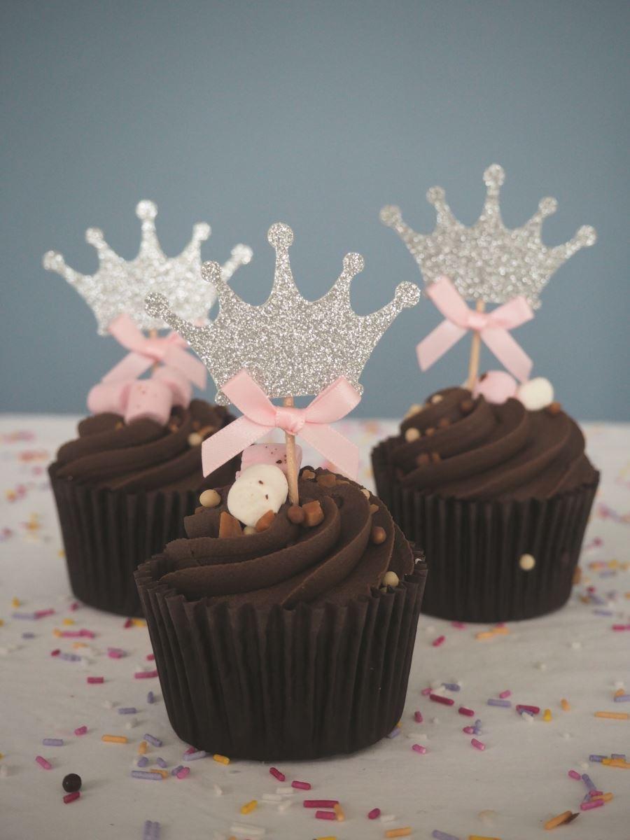 Lisslou crown cupcakes