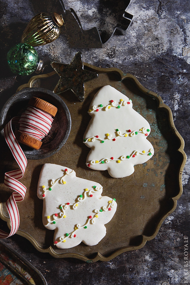 Decorated-Christmas-Tree-Cookies-with-Bakers-Royale1