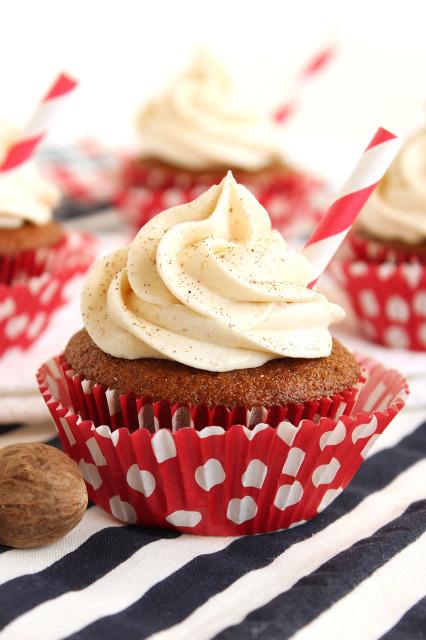 Gingerbread-Latte-Cupcake-426x640
