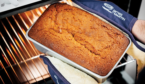 Stellar James Martin Bakers Dozen Loaf Pan 23cm - Carrot and Cinnamon Cake