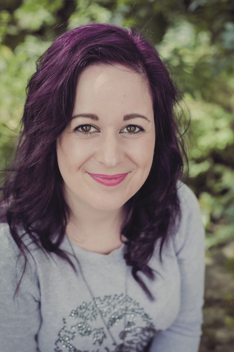 Tracey Rothwell: Little Cherry Cake Company