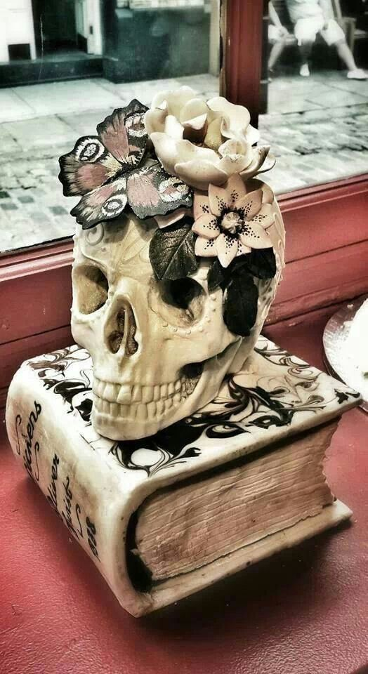 skullsflowers