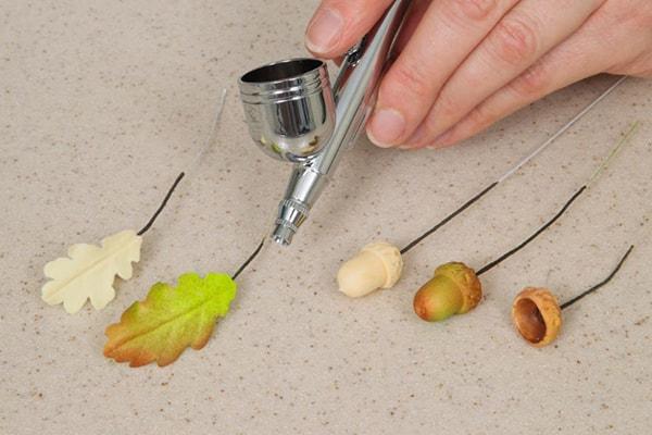 Acorn and oak leaves step 8