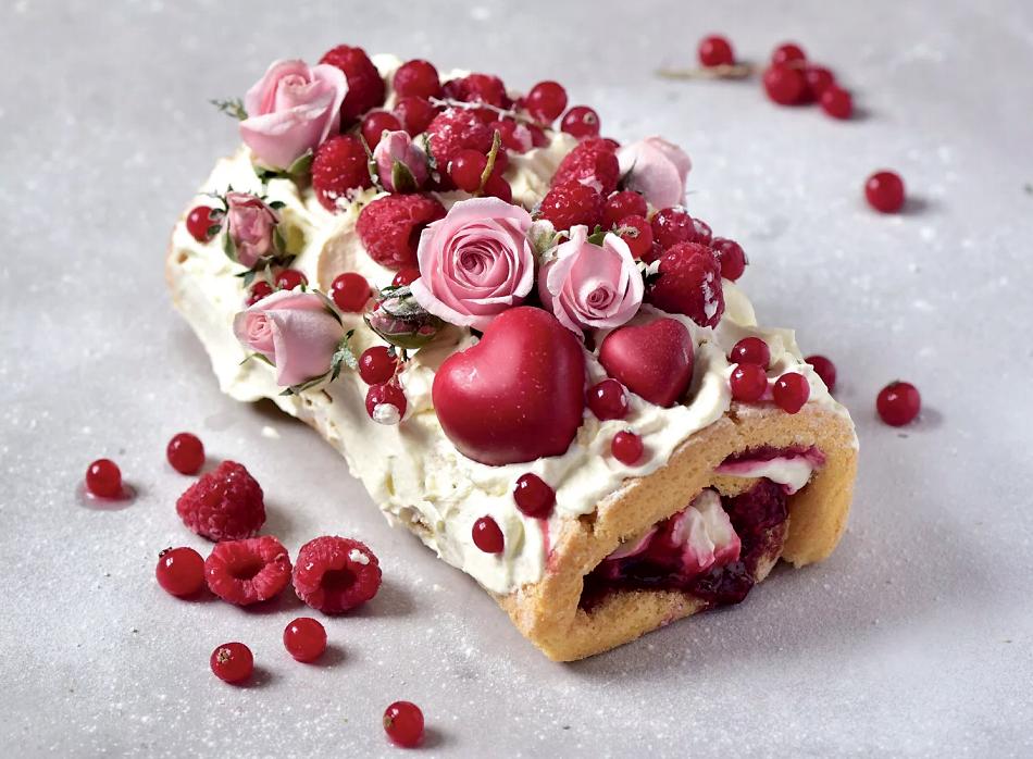 Raspberry and lemon swiss roll