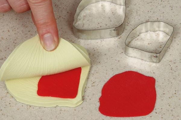 Sugarpaste poppies step 11