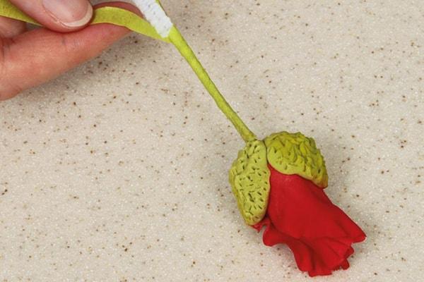 Sugarpaste poppies step 16