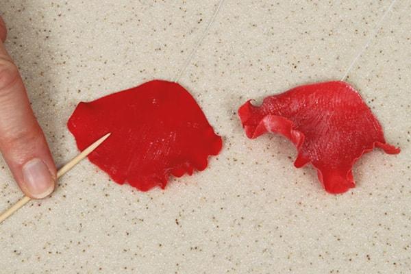 Sugarpaste poppies step 19