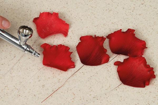 Sugarpaste poppies step 20