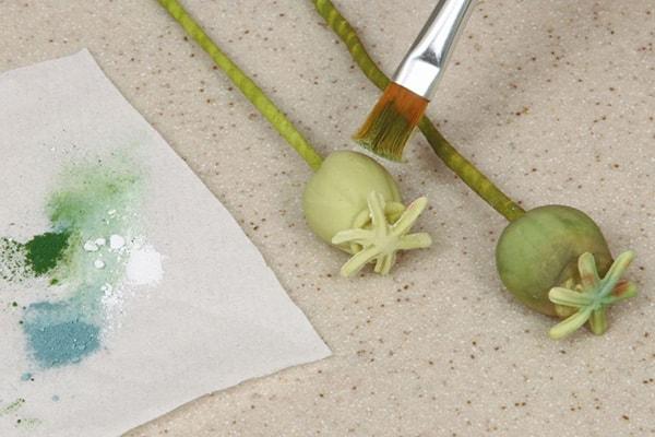 Sugarpaste poppies step 28