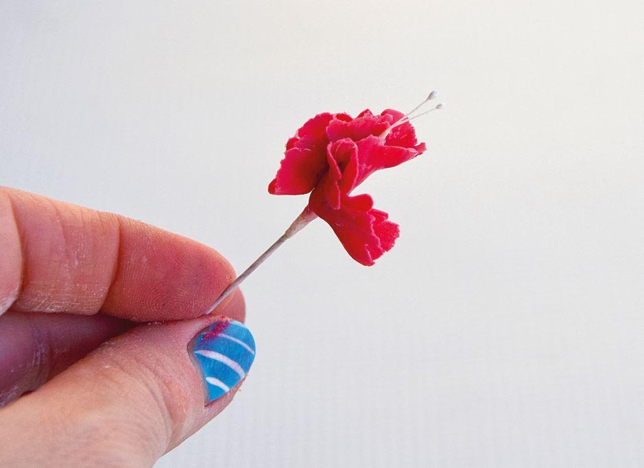 Sugarpaste Carnations step 4
