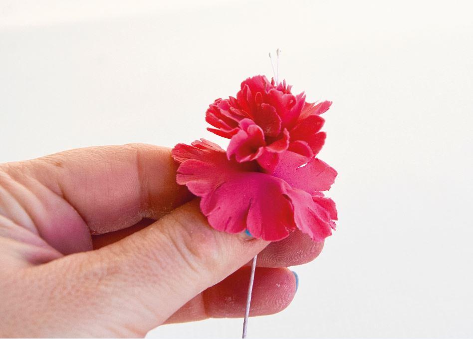 Sugarpaste Carnations step 5