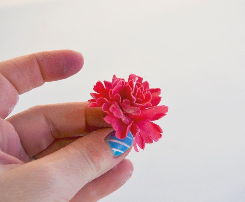 Sugarpaste Carnations step 6