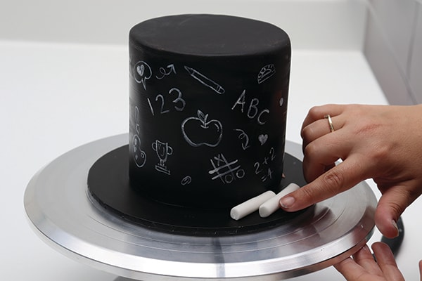 Chalkboard Effect Cake Step 5
