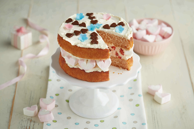 strawberry sandwich cake