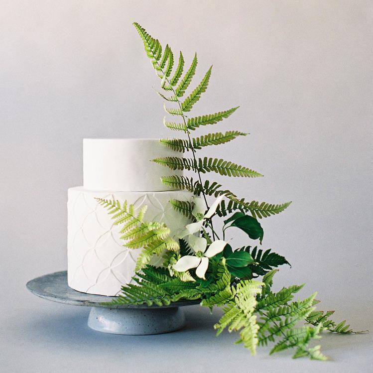 Cake with foliage