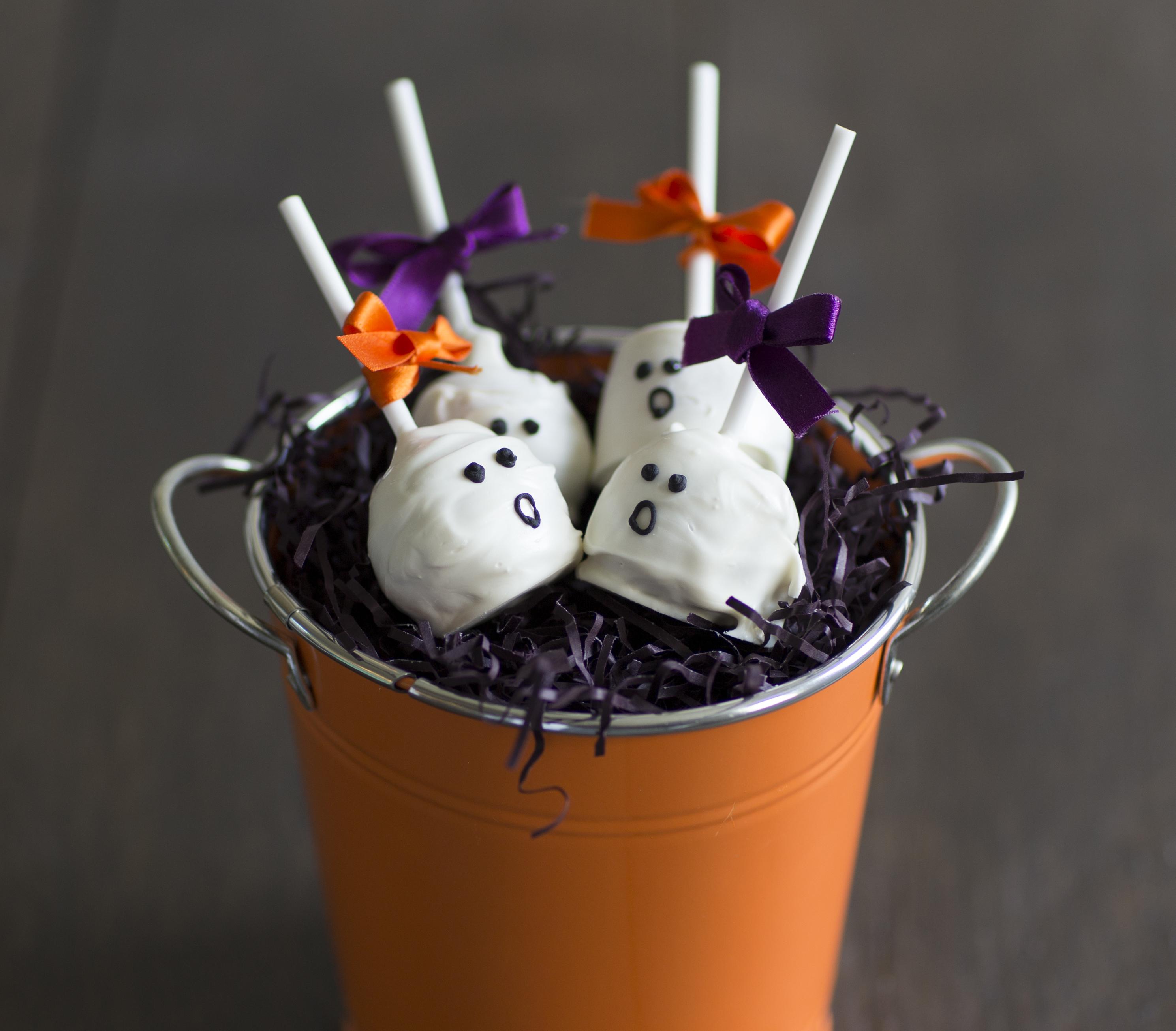 ghost cake pops