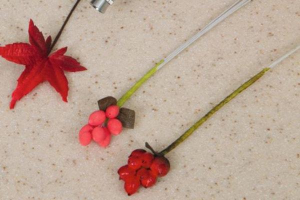 Honeysuckle berries step 4