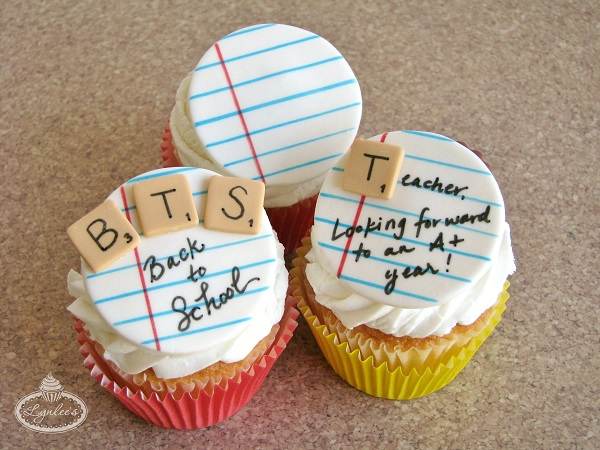 Back-to-school cakes to celebrate the first day!