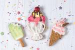 Decorated ice cream cookies