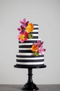 monochrome-striped-wedding-cake