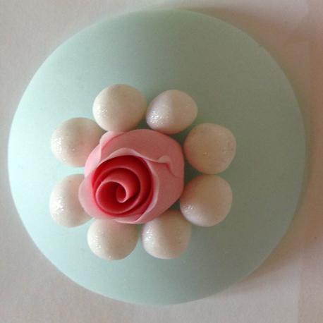 Rose bud pearls 458px