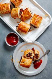 spicy mushroom sausage rolls, picnic recipes