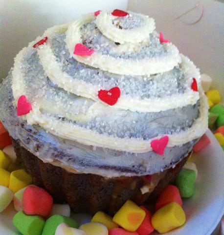 Sin City cupcake pic 2