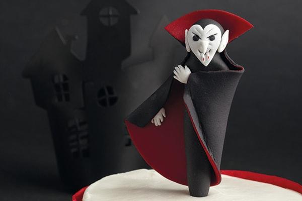 Sugarpaste Dracula cake topper