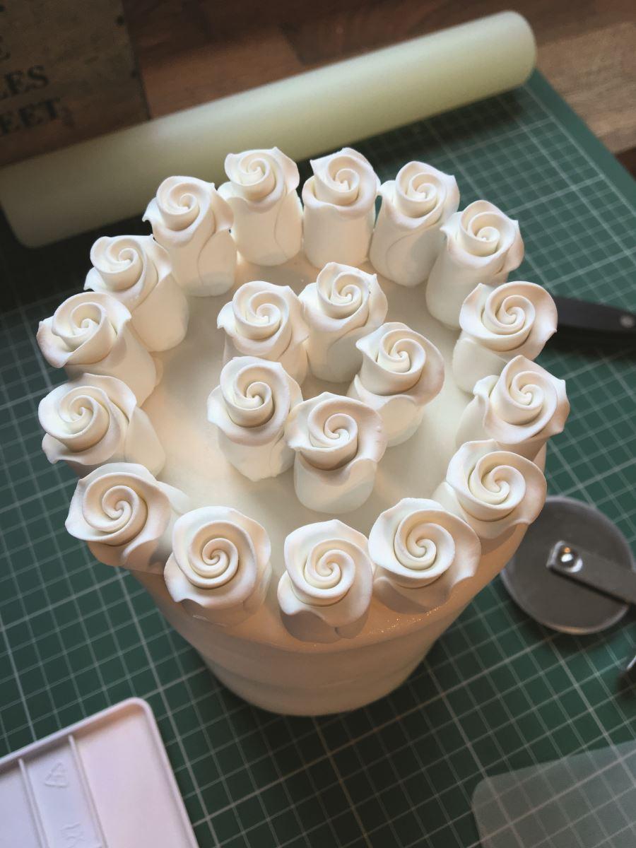 Royal icing set flowers