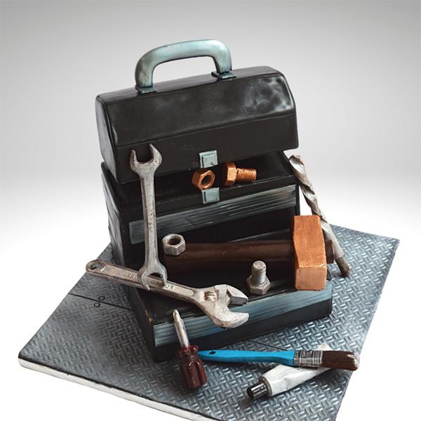 Zoe Burmester toolbox cake showing aged metal on cake