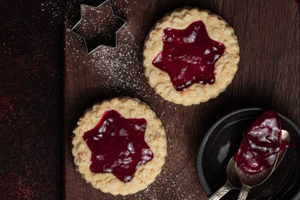 Bakewell tart biscuits