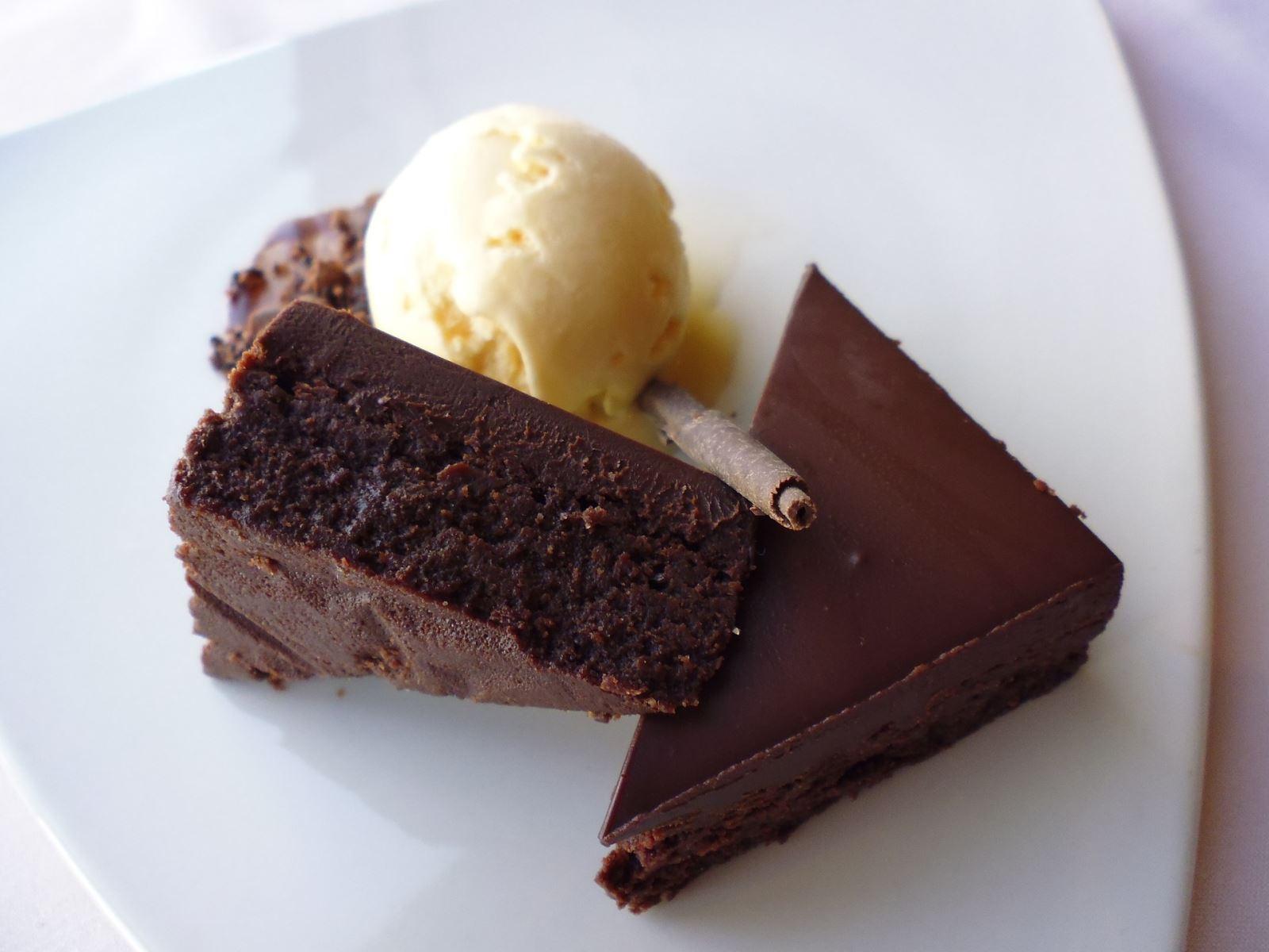 Moistena  dry cake with ice cream