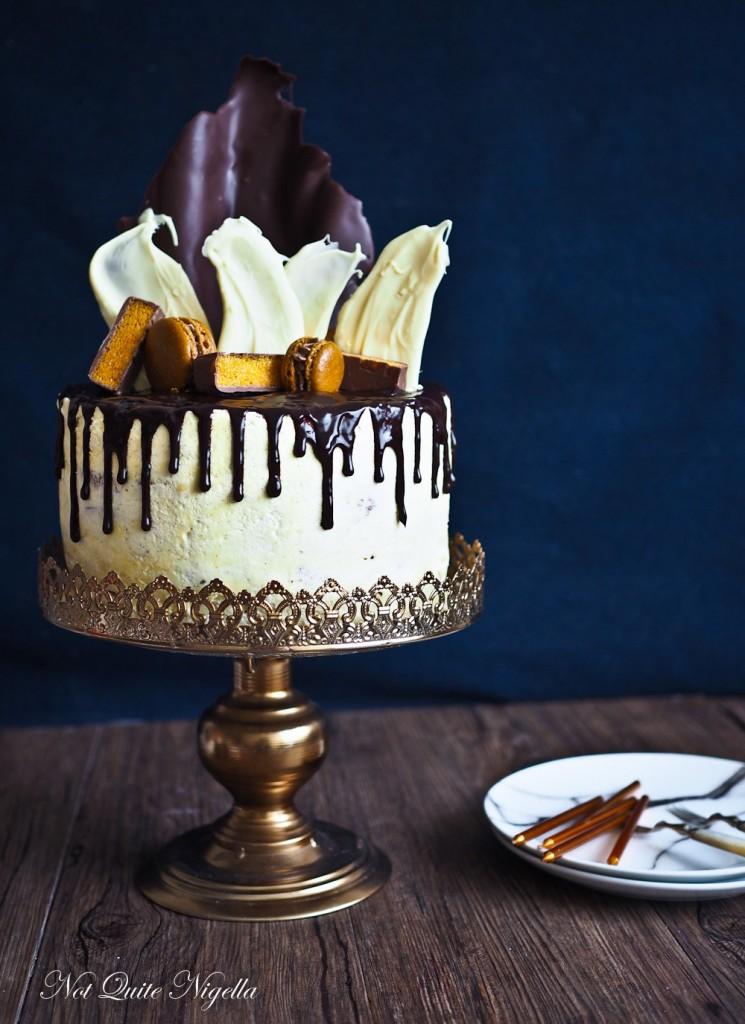 __chocolate-tier-drip-cake-11